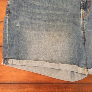 Old Navy Shorts - Old Navy Curvy Fit Cuffed Denim Jean Shorts